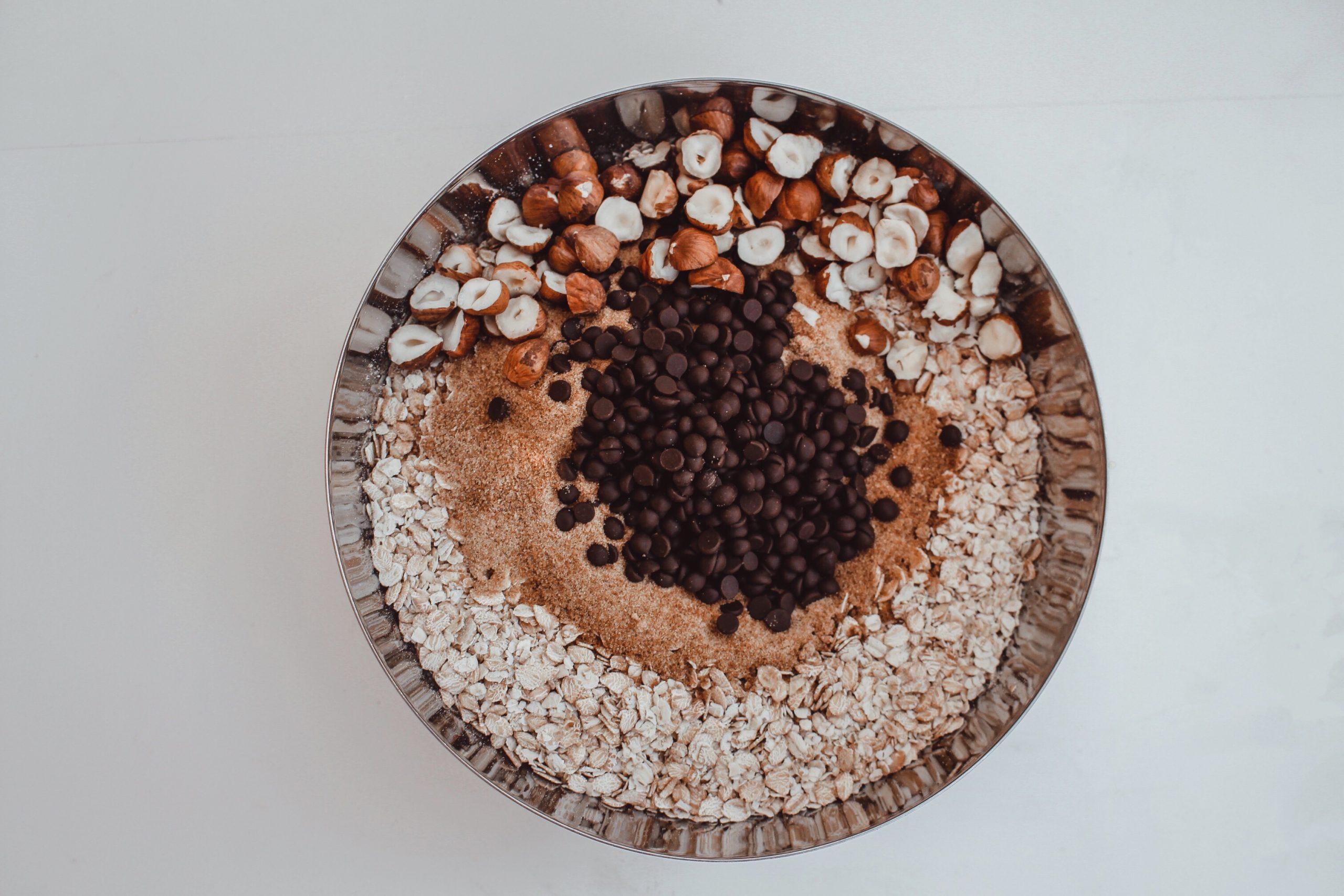 Домашна гранола с черен шоколад и череши 3