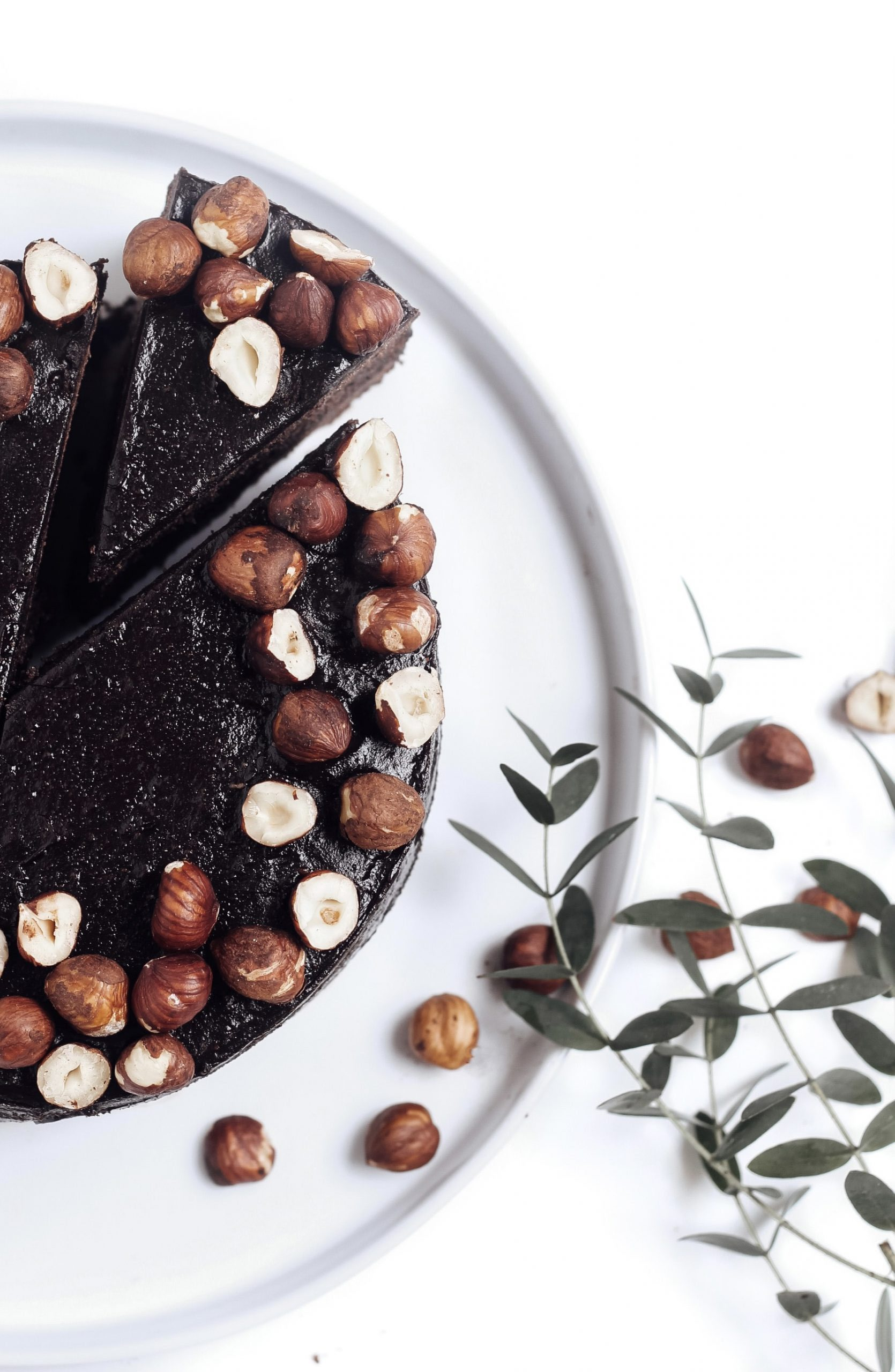 Шоколадова торта с лешници 2